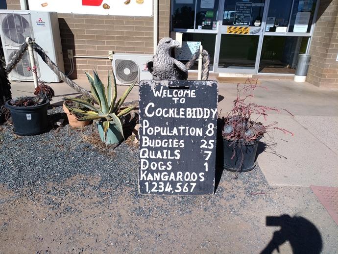 Cocklebiddy-roadhouse-unique-sign