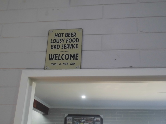 Cocklebiddy-roadhouse-unique-sign2