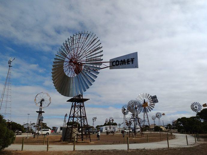 australia's-biggest-windmill-in-penong-